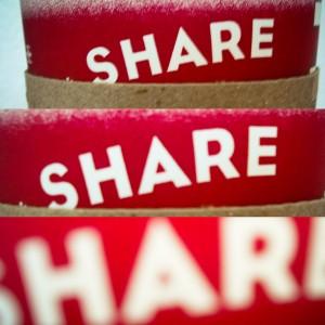 Как поделиться фото или видео вконтакте